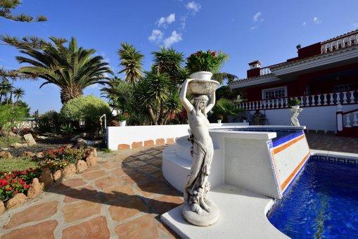Вилла в Адехе, город Плайя-Параисо, 300 м2, сад, террасса, балкон, гараж   | 34
