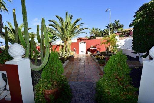Вилла в Адехе, город Плайя-Параисо, 300 м2, сад, террасса, балкон, гараж   | 30