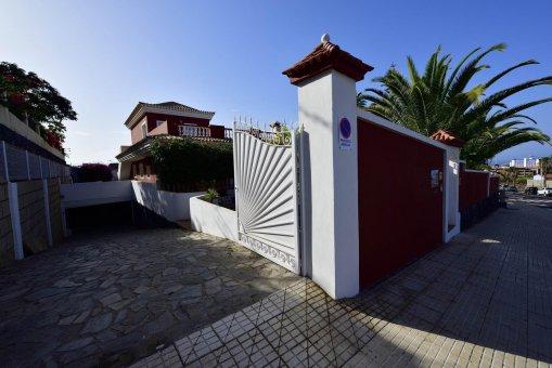 Вилла в Адехе, город Плайя-Параисо, 300 м2, сад, террасса, балкон, гараж   | 38