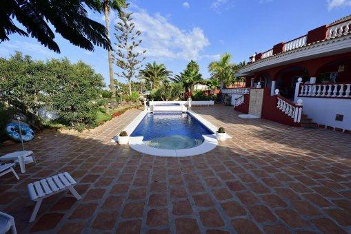 Вилла в Адехе, город Плайя-Параисо, 300 м2, сад, террасса, балкон, гараж   | 36