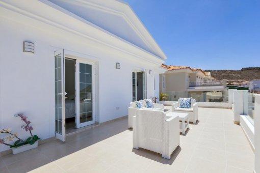 Casa en Adeje, ciudad Roque del Conde, 300 m2, terraza, balcon, garaje   | 39