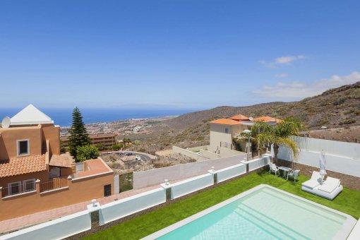 Casa en Adeje, ciudad Roque del Conde, 300 m2, terraza, balcon, garaje   | 40