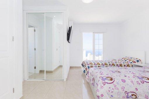Casa en Adeje, ciudad Roque del Conde, 300 m2, terraza, balcon, garaje   | 47