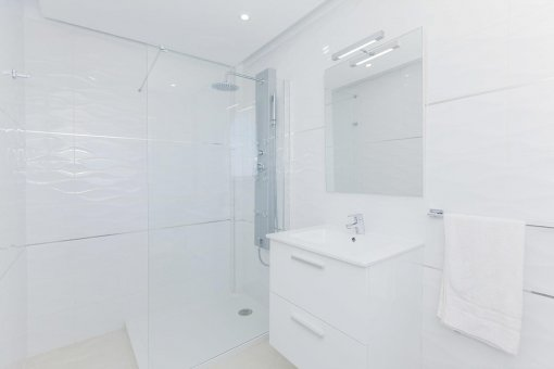 Casa en Adeje, ciudad Roque del Conde, 300 m2, terraza, balcon, garaje   | 54