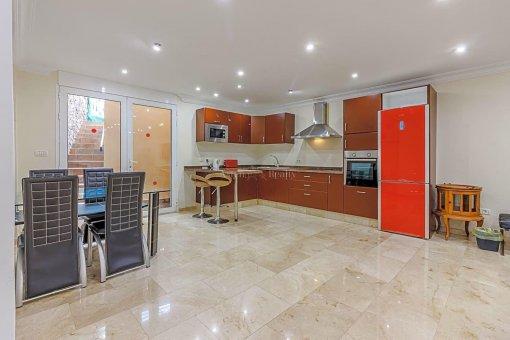 Casa en Adeje, ciudad San Eugenio Alto, 279 m2, jardin, terraza, balcon   | 34