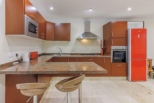 Casa en Adeje, ciudad San Eugenio Alto, 279 m2, jardin, terraza, balcon   | 39