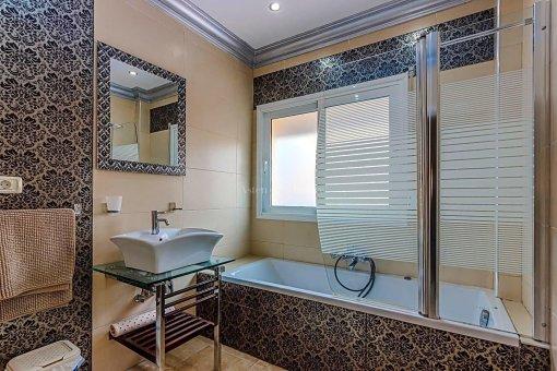 Casa en Adeje, ciudad San Eugenio Alto, 279 m2, jardin, terraza, balcon   | 53