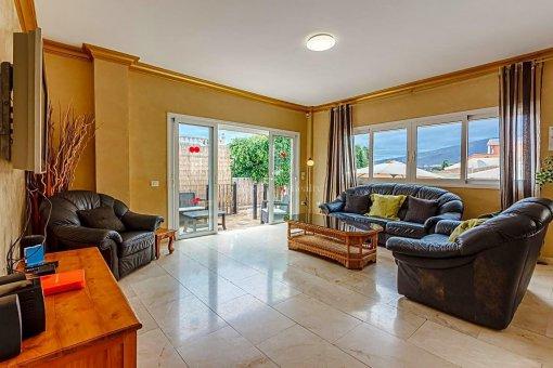 Casa en Adeje, ciudad San Eugenio Alto, 279 m2, jardin, terraza, balcon   | 59