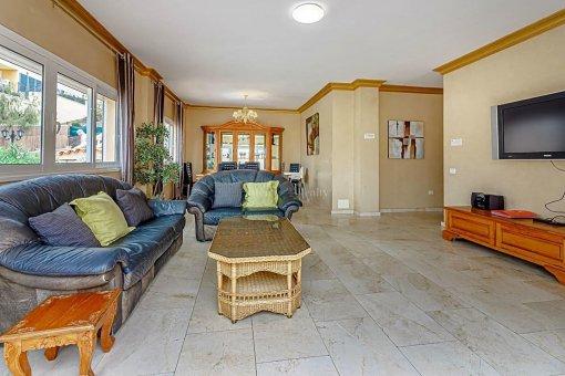 Casa en Adeje, ciudad San Eugenio Alto, 279 m2, jardin, terraza, balcon   | 63