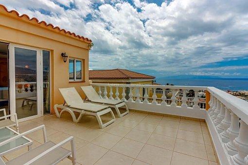 Casa en Adeje, ciudad San Eugenio Alto, 279 m2, jardin, terraza, balcon   | 68