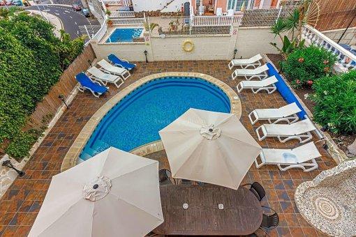 Casa en Adeje, ciudad San Eugenio Alto, 279 m2, jardin, terraza, balcon   | 69
