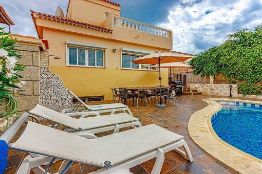 Casa en Adeje, ciudad San Eugenio Alto, 279 m2, jardin, terraza, balcon   | 92