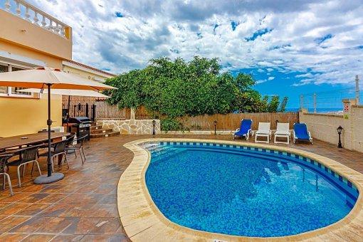 Casa en Adeje, ciudad San Eugenio Alto, 279 m2, jardin, terraza, balcon   | 93