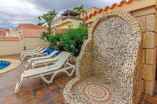 Casa en Adeje, ciudad San Eugenio Alto, 279 m2, jardin, terraza, balcon   | 94