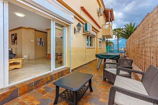 Casa en Adeje, ciudad San Eugenio Alto, 279 m2, jardin, terraza, balcon   | 97