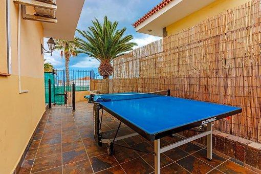 Casa en Adeje, ciudad San Eugenio Alto, 279 m2, jardin, terraza, balcon   | 98
