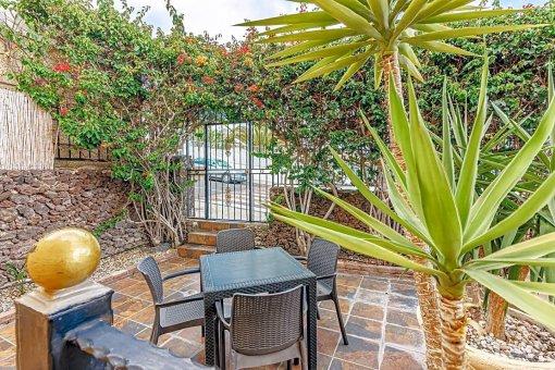 Casa en Adeje, ciudad San Eugenio Alto, 279 m2, jardin, terraza, balcon   | 99
