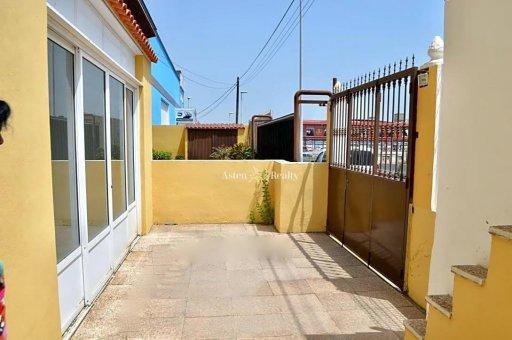 Коммерческое помещение в Сан-Мигель-де-Абона, город Лас-Чафирас, 680 м2   | 32