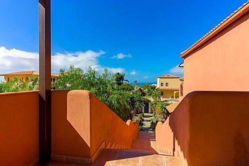 Вилла в Адехе, город Плайя-Параисо, 300 м2, сад, террасса, гараж   | 56