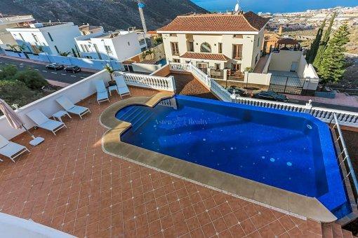 Casa en Adeje, ciudad Roque del Conde, 375 m2, jardin, terraza, garaje   | 33
