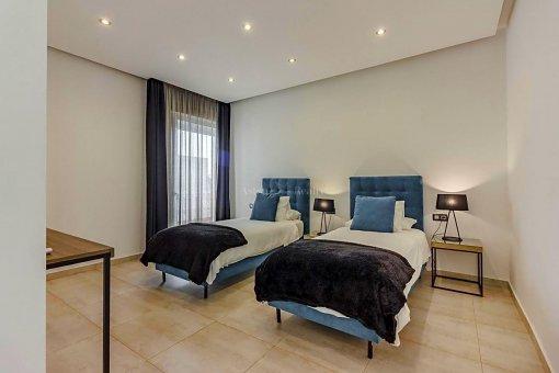 Casa en Adeje, ciudad Roque del Conde, 375 m2, jardin, terraza, garaje   | 41