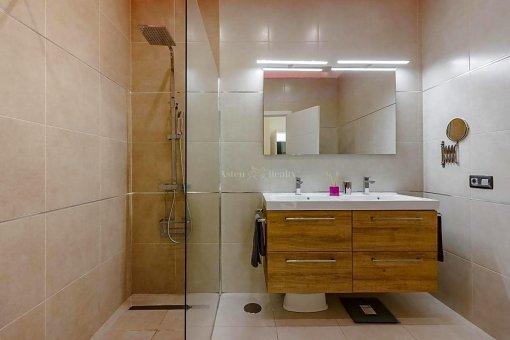 Casa en Adeje, ciudad Roque del Conde, 375 m2, jardin, terraza, garaje   | 43