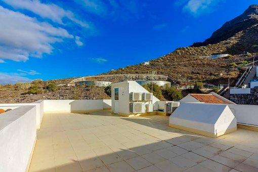 Casa en Adeje, ciudad Roque del Conde, 375 m2, jardin, terraza, garaje   | 49