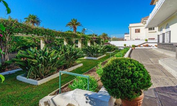 Villa in Santa Cruz de Tenerife, 774 m2, garden, terrace, garage   | 4