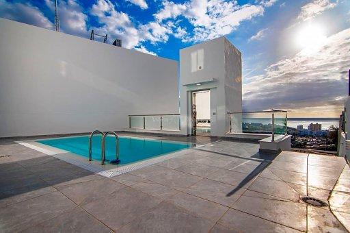 Villa in Arona, city Las Americas, 200 m2, garden, terrace, garage -