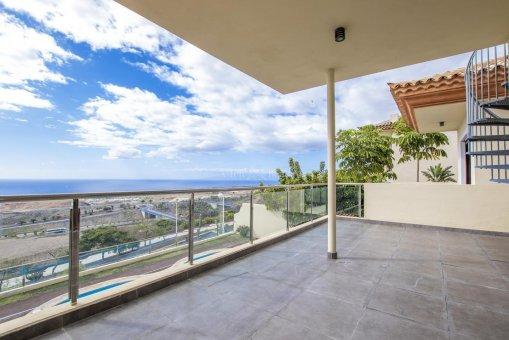 Villa in Adeje, city Galeon, 250 m2, garden, terrace, garage   | 37
