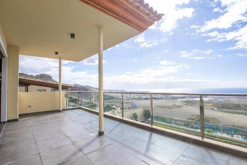 Villa in Adeje, city Galeon, 250 m2, garden, terrace, garage   | 38