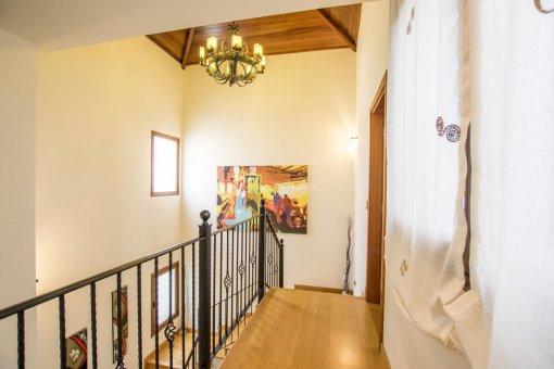 Villa in Adeje, city Galeon, 250 m2, garden, terrace, garage   | 39