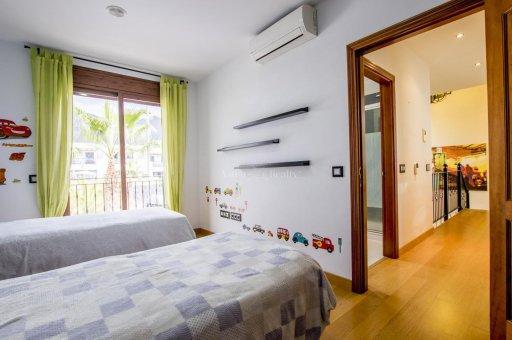 Villa in Adeje, city Galeon, 250 m2, garden, terrace, garage   | 45