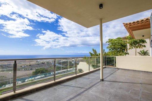Villa in Adeje, city Galeon, 250 m2, garden, terrace, garage   | 54