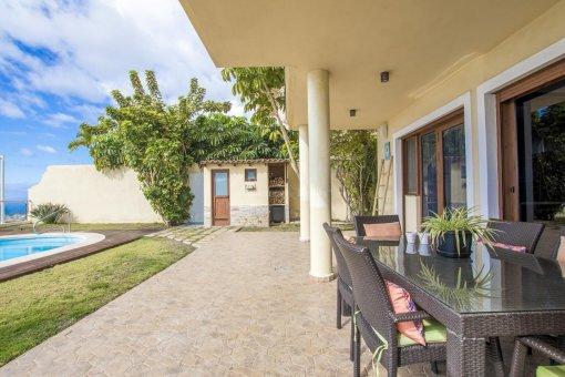 Villa in Adeje, city Galeon, 250 m2, garden, terrace, garage   | 55