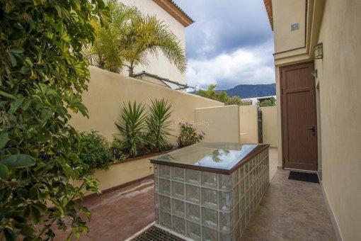 Villa in Adeje, city Galeon, 250 m2, garden, terrace, garage   | 57