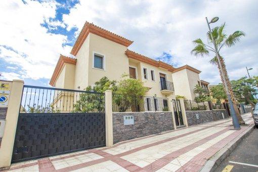 Villa in Adeje, city Galeon, 250 m2, garden, terrace, garage   | 66