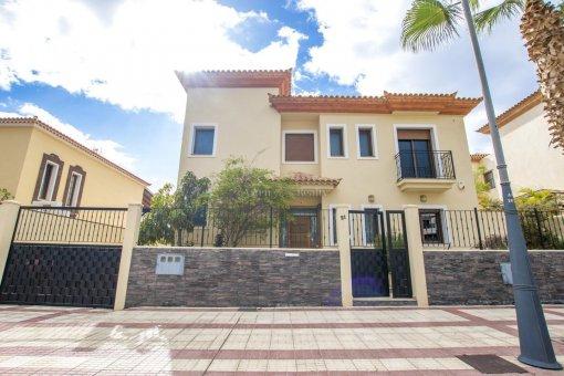Villa in Adeje, city Galeon, 250 m2, garden, terrace, garage   | 67