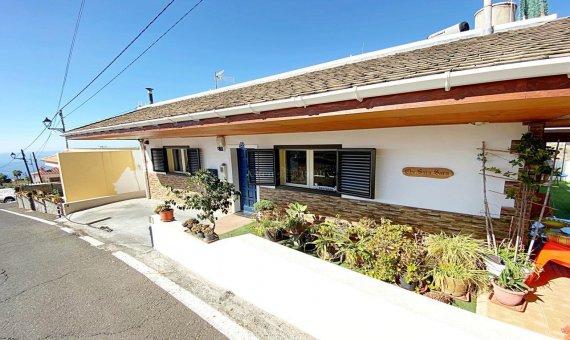 Casa en Guia de Isora, ciudad Acojeja, 278 m2, jardin, terraza, balcon -
