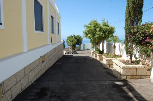 Villa in Adeje, city Los Menores, 1200 m2, garden, terrace, garage   | 39