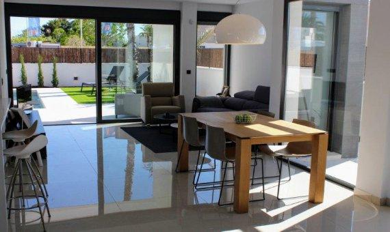 Villa en Alicante, La Marina, 265 m2, piscina   | 2